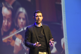 Youri Sawerschel gives keynote speech at French tourism convention